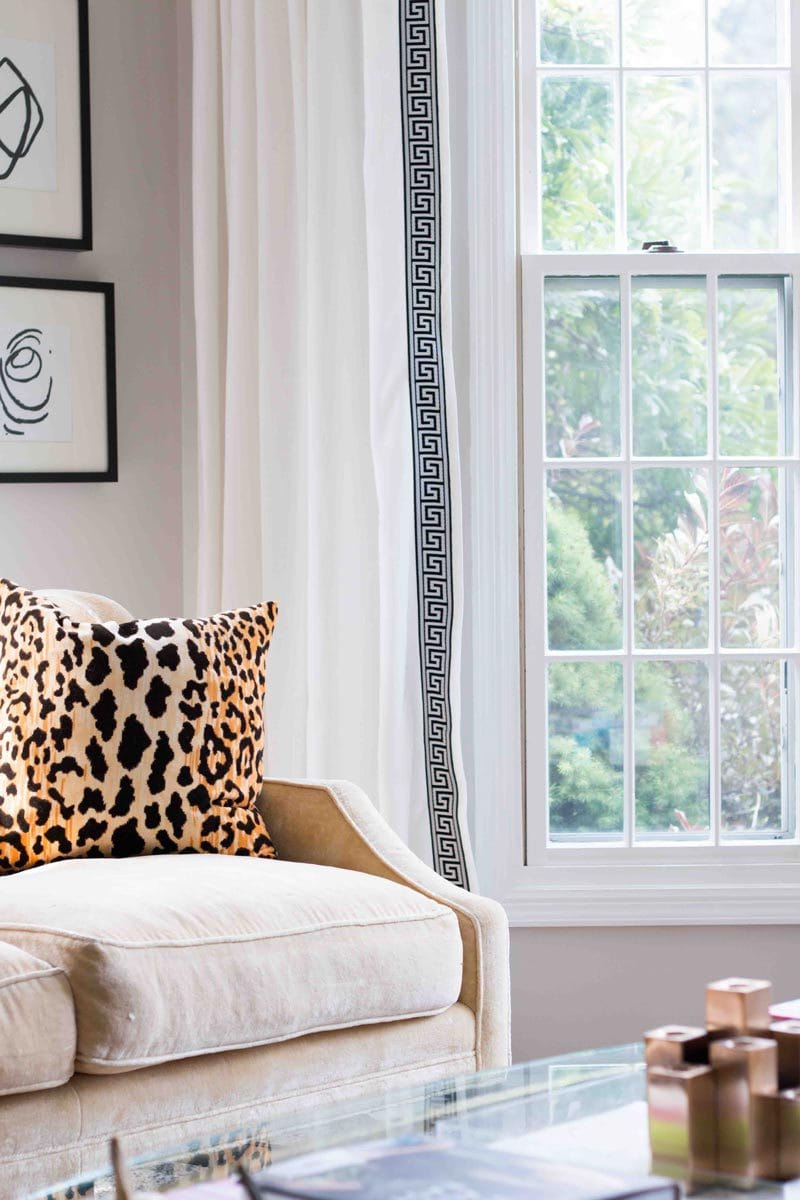how-to-paint-wood-trim-windows-1