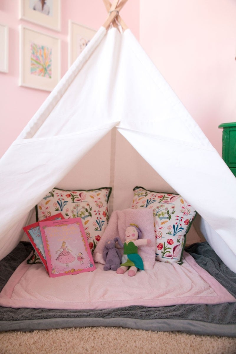 diy teepee diy kids teepee. Black Bedroom Furniture Sets. Home Design Ideas