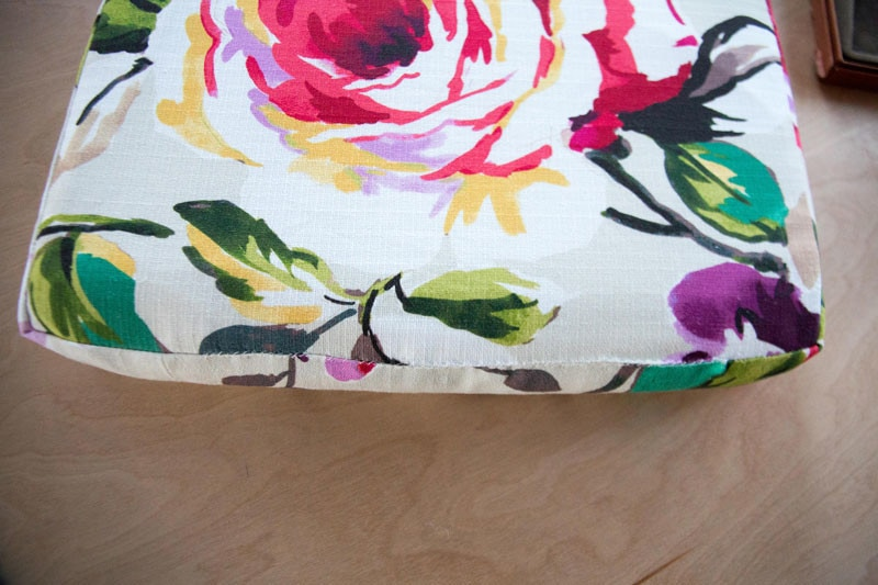 diy-upholstered-cushion-23