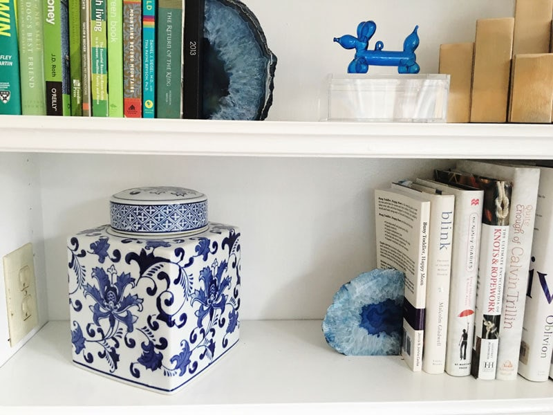 how-to-style-a-bookshelf-6