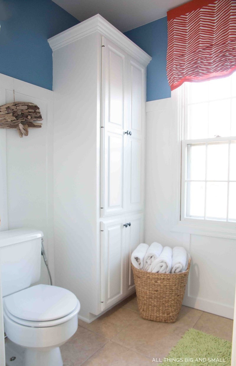 bathroom decorating ideas--DIY bathroom makeover