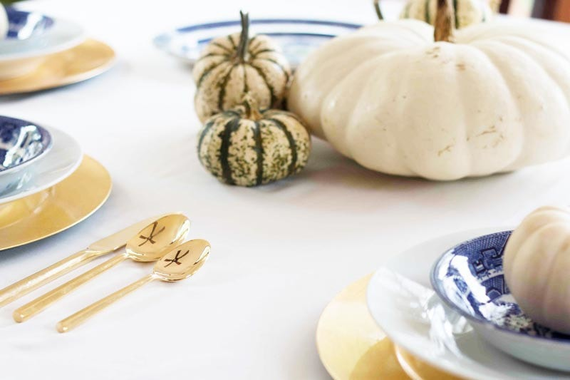 gold fall tablescape | easy tablescape for Thanksgiving from ALL THINGS BIG AND SMALL