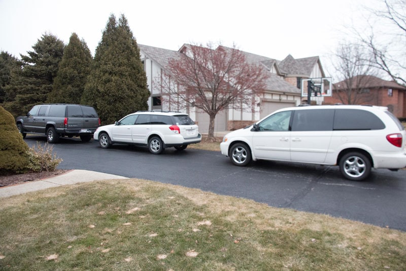 minivan-or-suv-mom-1