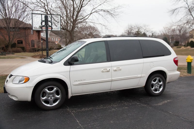 minivan-or-suv-mom-2