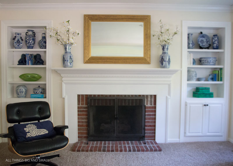 OMG Such a good Before and after Gold Mirror--You won't believe the gold frame makeover of this decorative mirror!