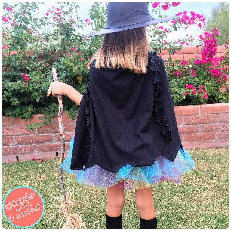 diy halloween costume- diy witches cape