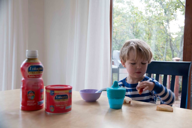 mom hacks for getting your toddler to eat enough dha
