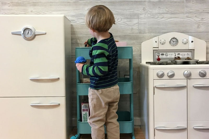 Play Kitchens: 19 Best Play Kitchens for Your Kids That are Cute AND Practical