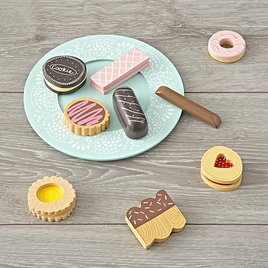 sych cute wooden play food for a kids play kitchen - Wooden Play Food by popular style blog DIY Decor Mom