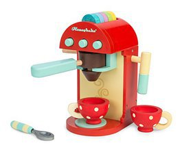 such a cute wooden play kitchen accessory! such cute wooden play food! - Wooden Play Food by popular style blog DIY Decor Mom
