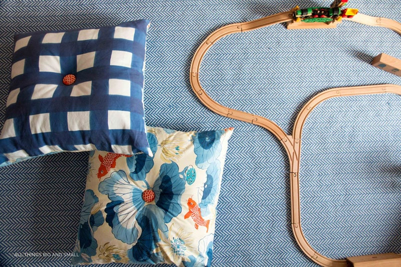 LOVE these DIY Playroom Decor ideas and DIY floor pillows