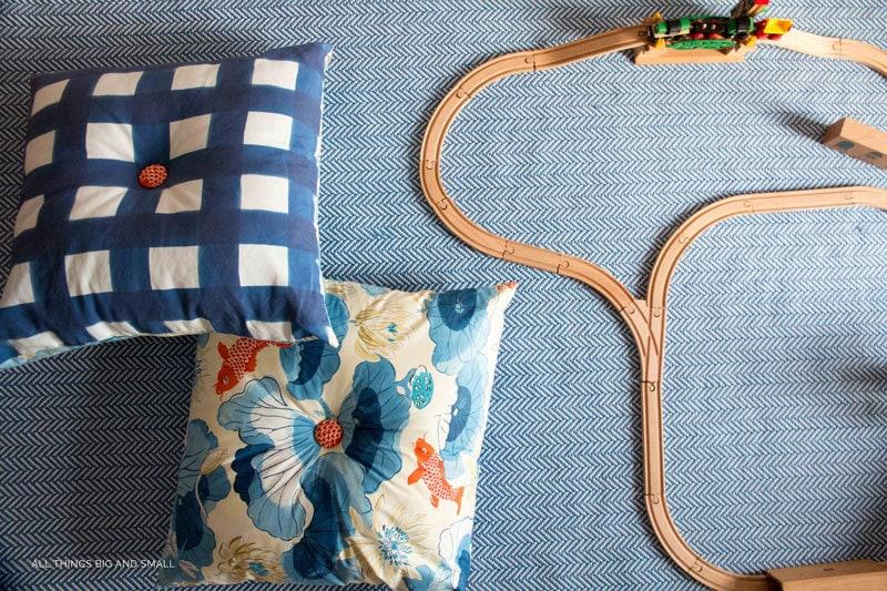 LOVE these DIY Playroom Decor ideas and DIY floor pillows