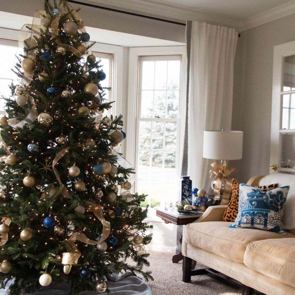 Christmas Tree Decorating Like A Pro 5 Tips Diy Decor Mom