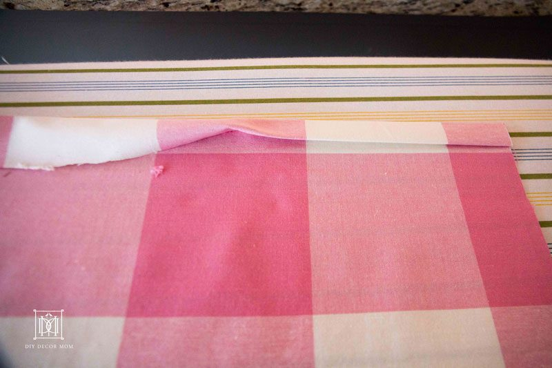 how to make a crib skirt for your baby's crib