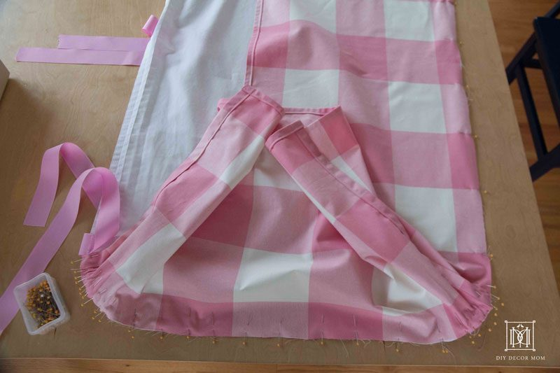 instructions for sewing your ow diy crib skirt | pink crib skirt DIY | DIY Decor Mom