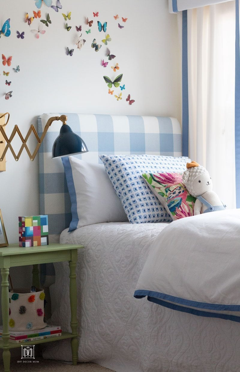 boy room decor ideas- blue buffalo check headboard