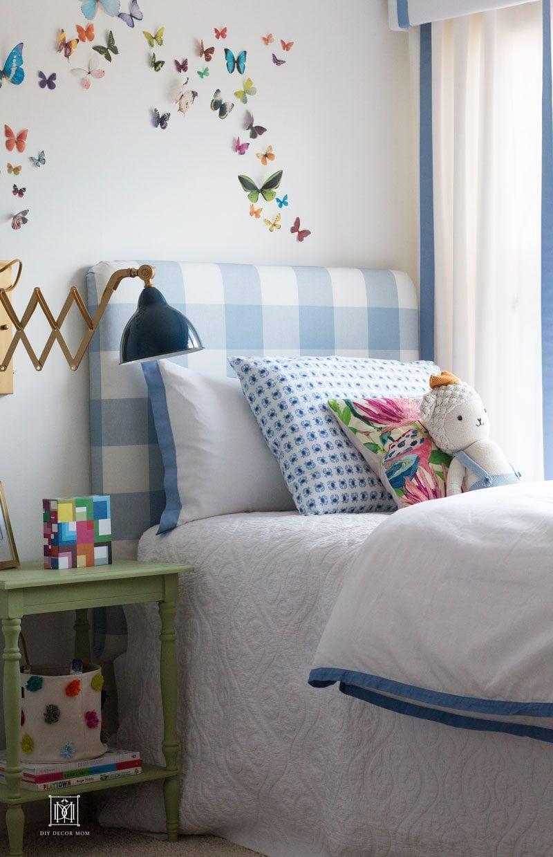 boy room decor ideas- blue buffalo check headboard