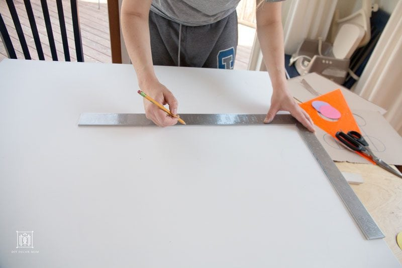 making DIY wall art canvas