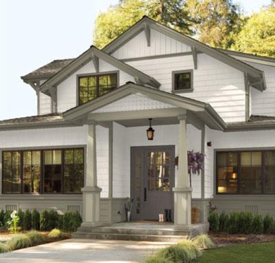 craftsman bungalow with BM 1547 trim