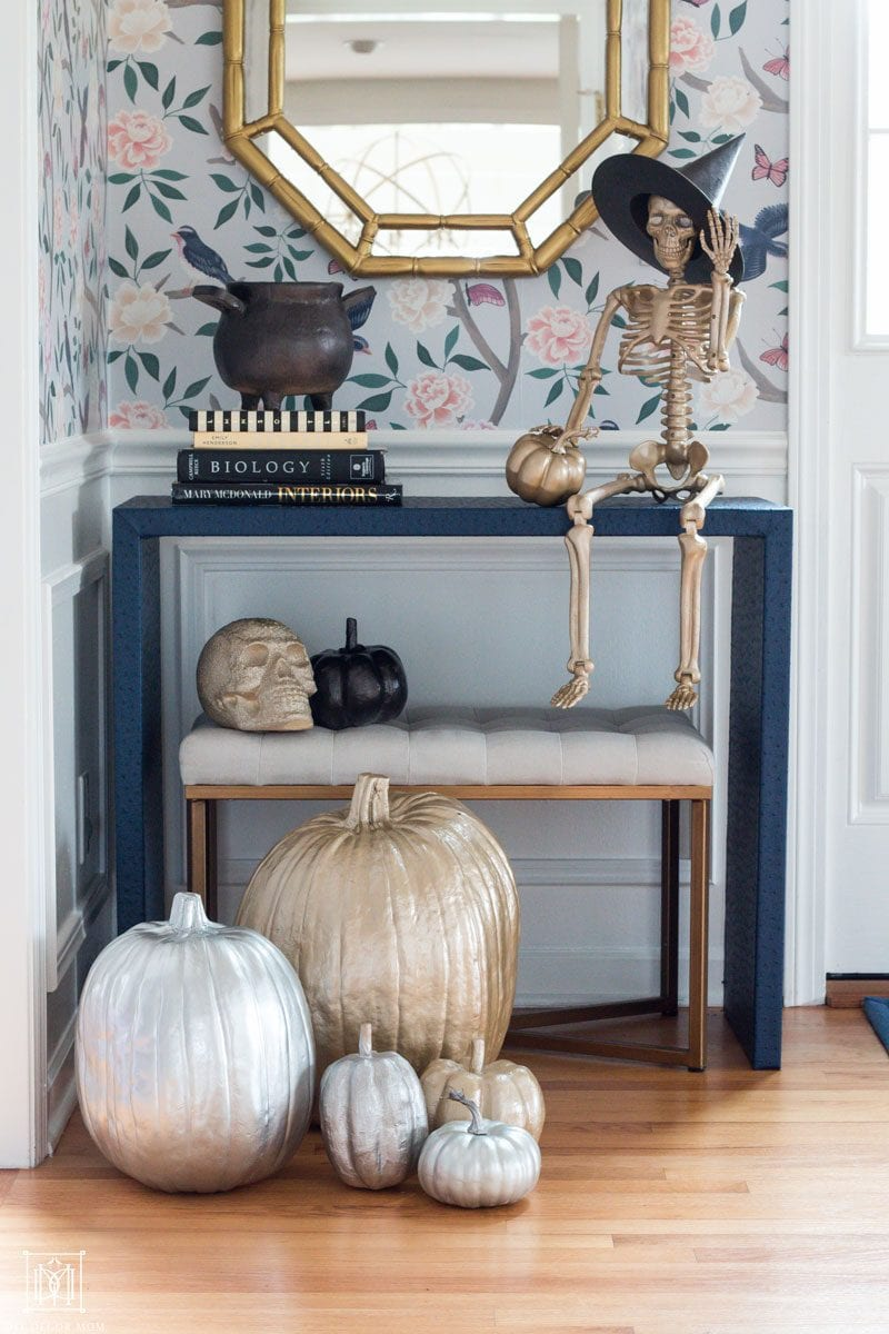 how to decorate for halloween with gold