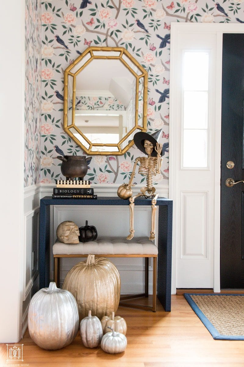 spooky and chic halloween decor