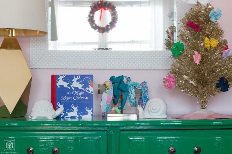 green-vintage-dresser-with-christmas-decor-in-kids-room