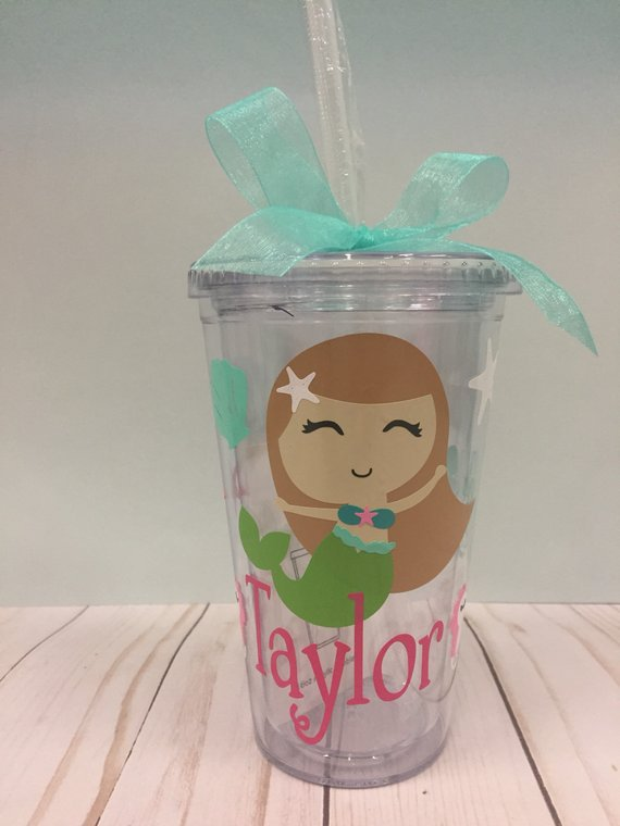 monogrammed kids cup with straw