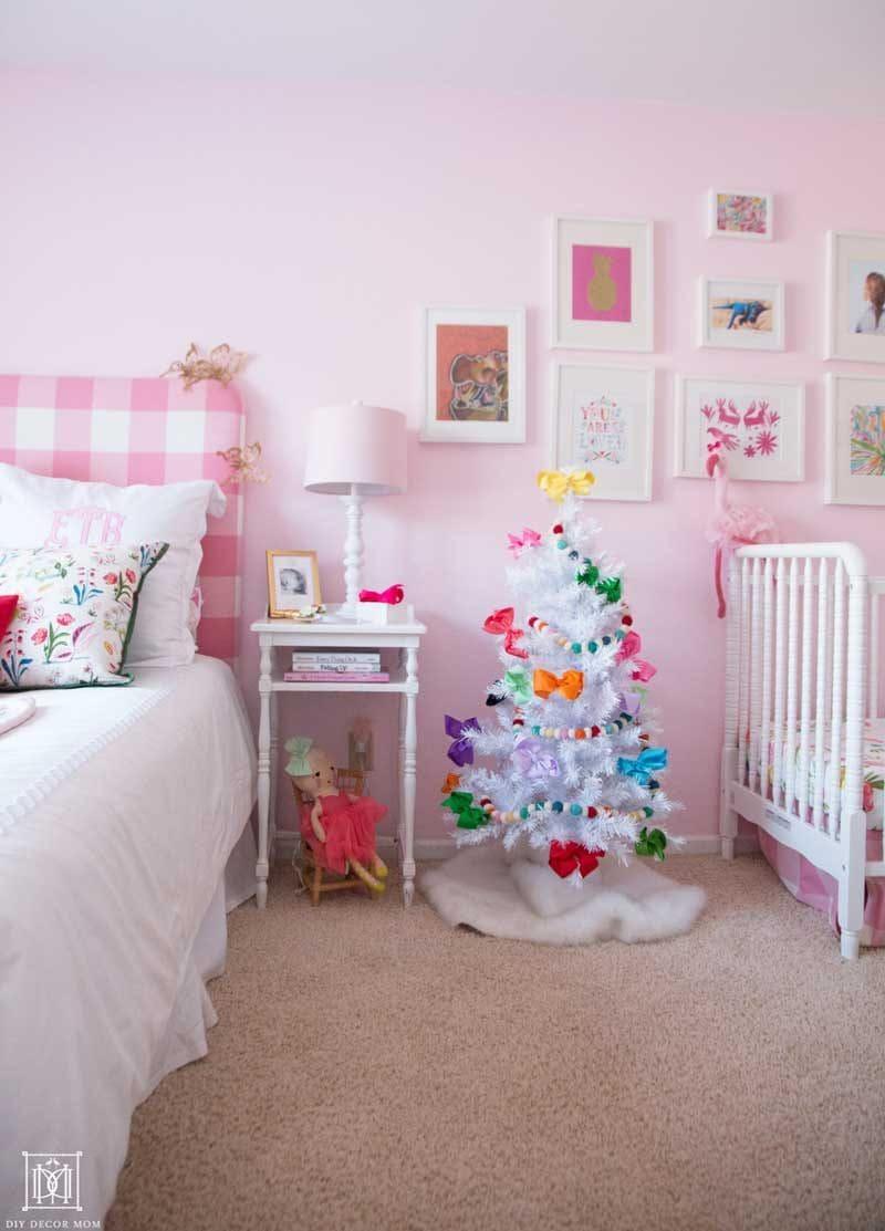 Christmas Kids Bedroom: Girly Christmas Decor - DIY Decor Mom