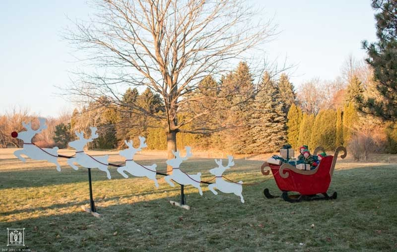 diy santa sleigh outside