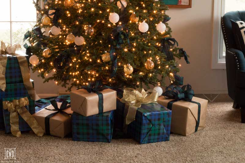 plaid christmas tree decorations