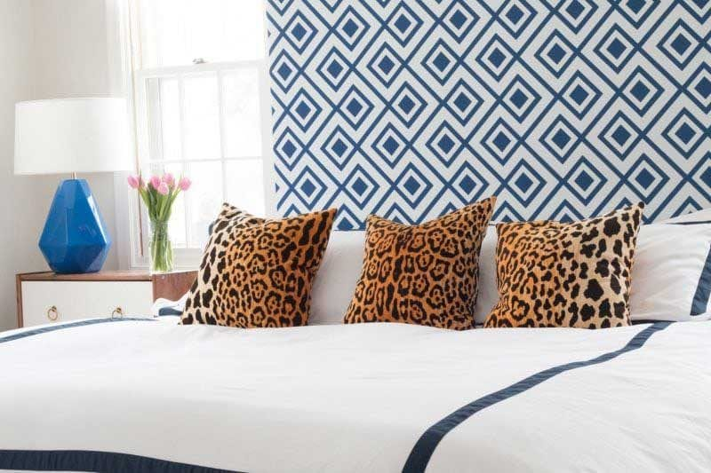 throw pillows on bed- ways to make your bedroom look nice