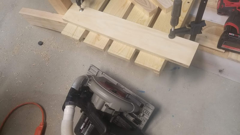 building a diy fire pit chair bench with a circular saw