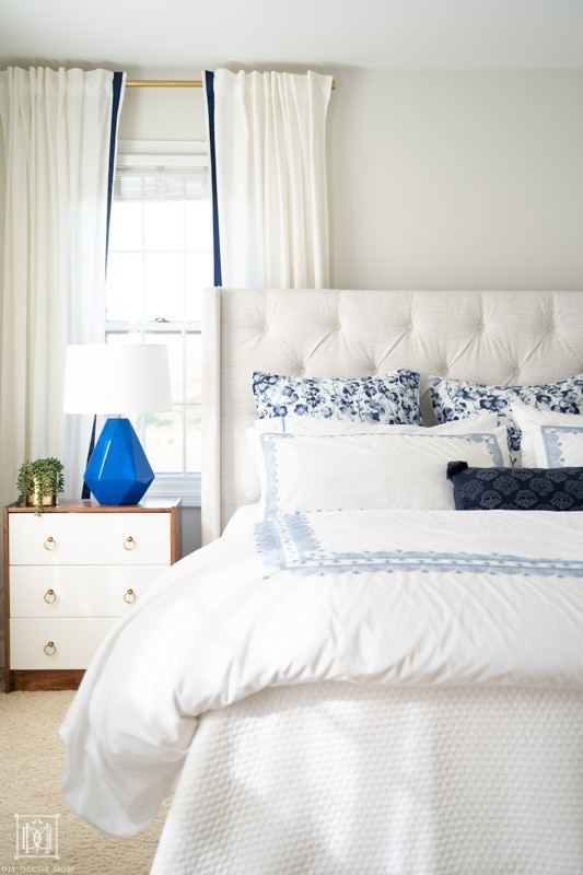 benjamin moore classic gray bedroom with white linens and neutral bedding