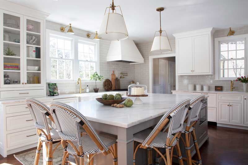 Erin Gates kitchen design featuring Benjamin Moore Simply White cabinets