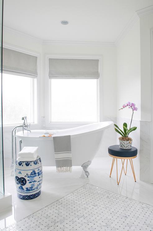 Benjamin Moore Oxford White Bathroom