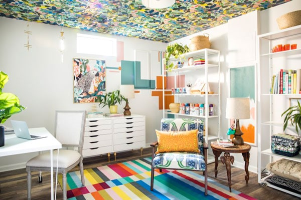 white office walls with wallpapered ceiling- casa watkins living