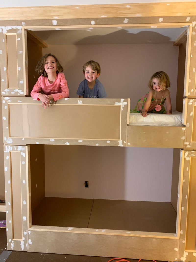 supportive and strong top bunk to hold lots of children