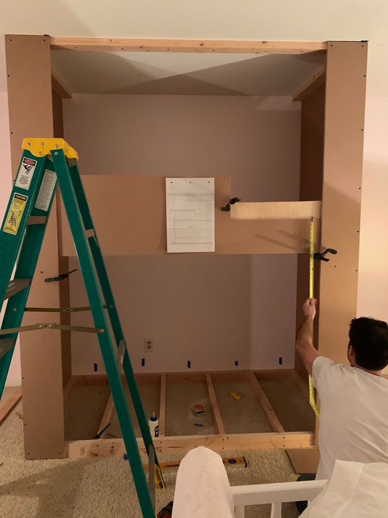 how to figure out the heights for built-in bunk beds with bottom bunk on floor