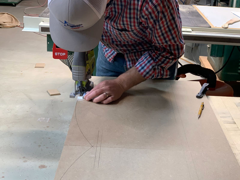how to cut out a scallop pattern on cornice box with jigsaw