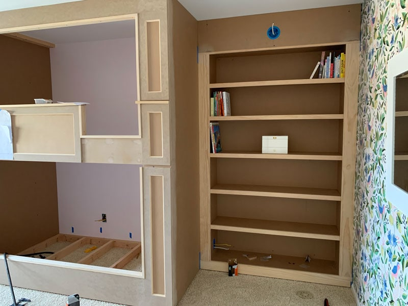 how to build a built-in bookcase for a bedroom