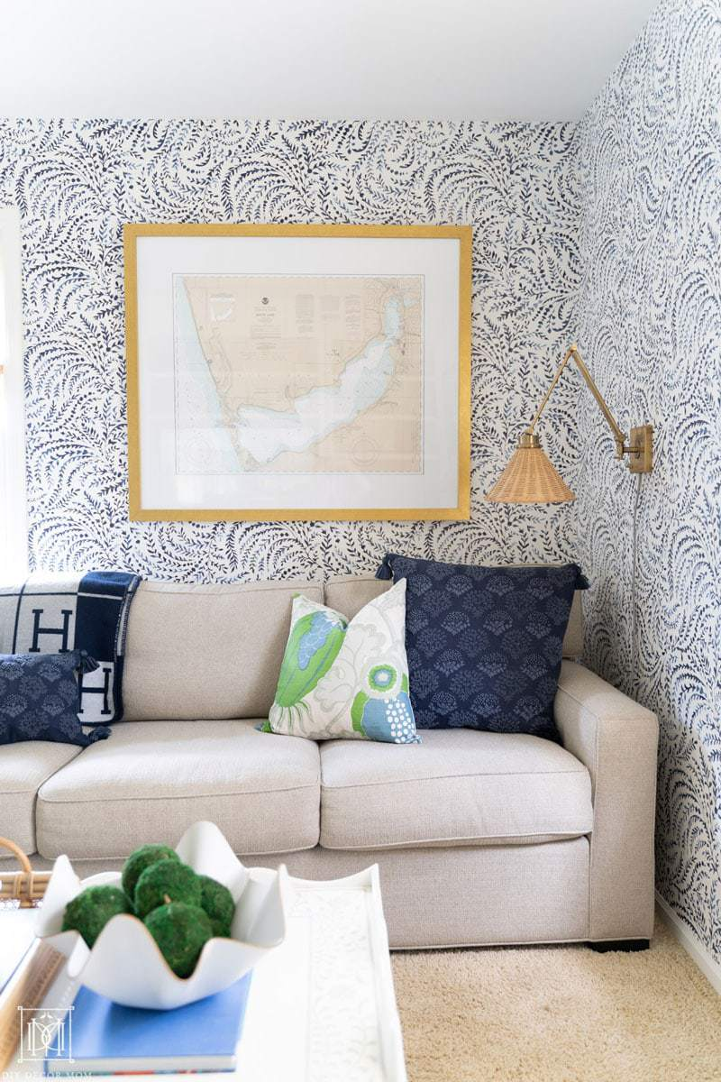 bue and white wallpaper wall with nautical accents