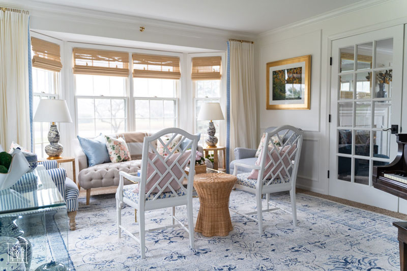 benjamin moore chantilly lace living room with chippendale chairs chinoiserie decor