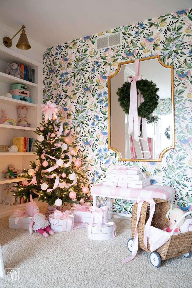 caitlin wilson design citron vert wallpaper with christmas decor