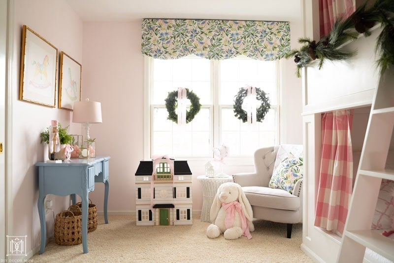 girls bedroom christmas decorations