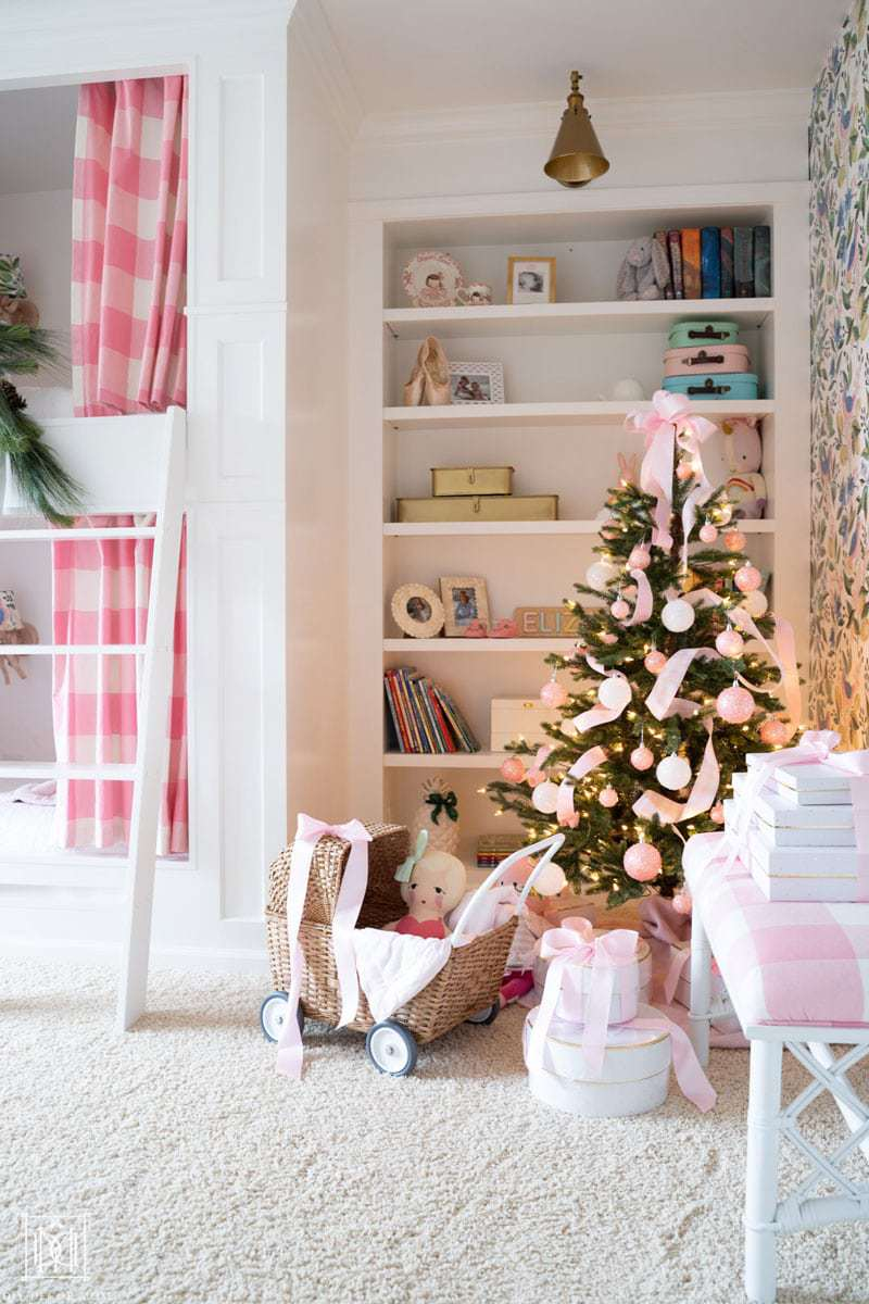 how to decorate bunk beds for christmas